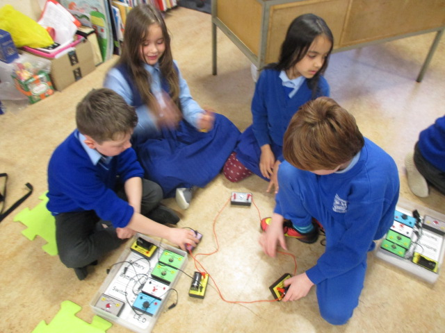Discovering Electricity